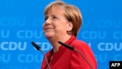 Գերմանիա - Կանցլեր Անգելա Մերկելը Քրիստոնեա-դեմոկրատական միության կենտրոնակայանում ասուլիսի ժամանակ, Բեռլին, 20-ը նոյեմբերի, 2016թ.