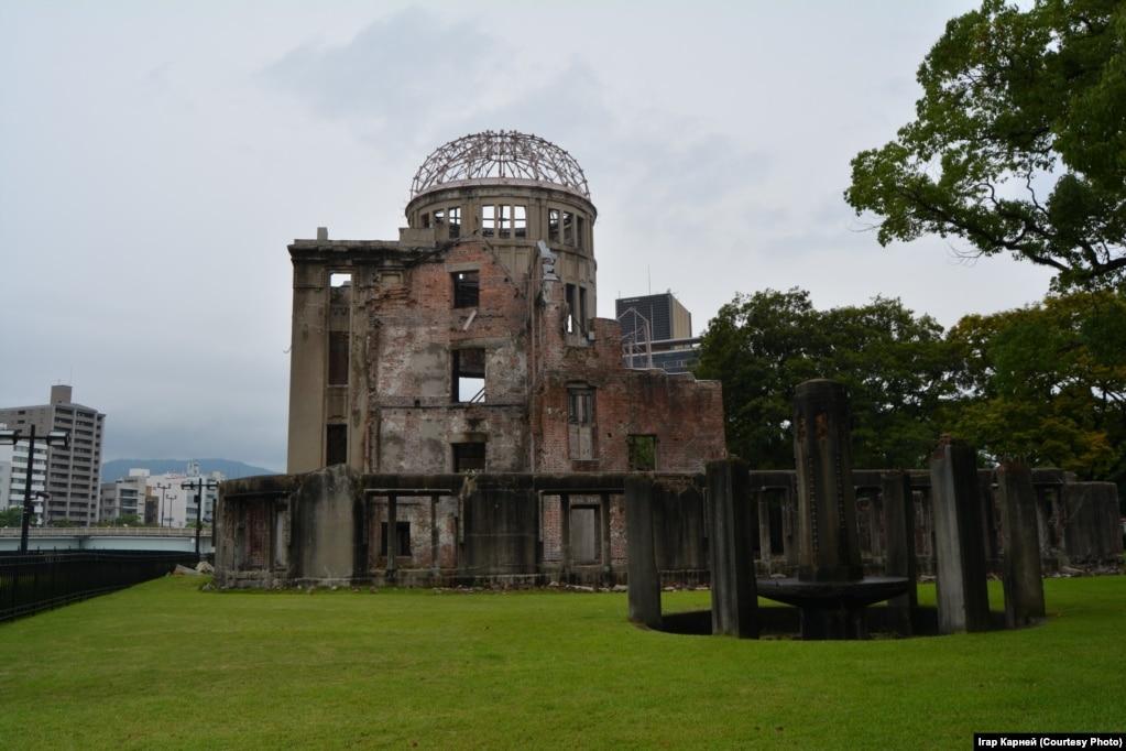 Следы ядерного взрыва на бывшем выставочном центре