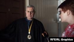 Суддя Коваленко не захотів коментувати свої рішення