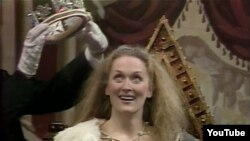 "Meryl Streep ""Alisa Sarayada"" teatr tamaşasında, 1982."
