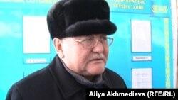 Рысбек Сарсенбай, главный редактор газеты «Жас Алаш», на суде по делу об убийстве Алтынбека Сарсенбаева и двух его помощников. Талдыкорган, 10 января 2014 года.
