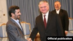Iran/Armenia -- President Mahmoud Ahmadinejad meets with Armenian Foreign Minister Edward Nalbandian in Tehran, 15Sept 2010.