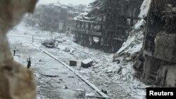 Սիրիա - Գնդակոծություններից ավերված Հոմս քաղաքը ձմռանը, հունվար, 2013թ.