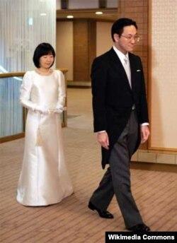 Yapon imperatorunun qızı Sayako və onun əri Yoshiki Kurado.