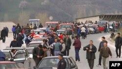 Refugjatët kosovarë në Bllacë, 1999.
