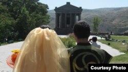 Հարսանիք Գառնու տաճարում, արխիվ