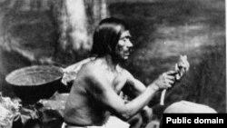 Предки гавайцев плавали в Южную Калифорнию: у индейцев чумаш есть лодка, однотипная полинезийской и есть полинезийское слово для ее обозначения.