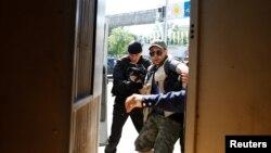 Задержание журналиста. Алматы, 21 мая 2016 года.