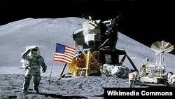 Первый человек на Луне, астронавт Нил Армстронг. 21 июля 1969 года