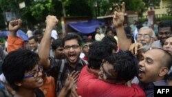 Архівне фото: у столиці Банглалеш Дацці святкують винесення смертного вироку іншому політикові, звинуваченому у воєнних злочинах 1971 року