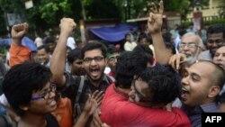 Під час протестів у Дацці проти одного з попередніх вироків опозиціонерам за воєнні злочини початку 1970-х, фото 17 вересня 2013 року