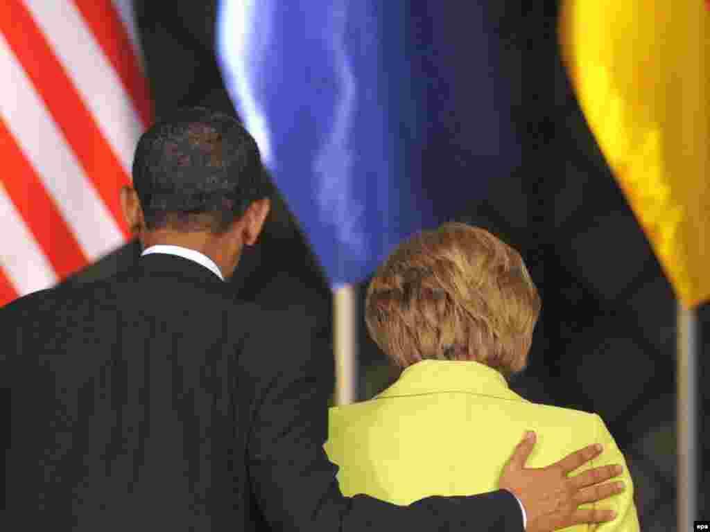 Президент США Барак Обама и канцлер Германии Ангела Меркель провели переговоры в Дрездене (AFP)