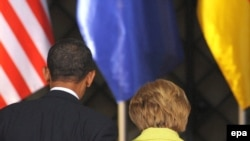 German Chancellor Angela Merkel and U.S. President Barack Obama at a joint press conference in Dresden on June 5
