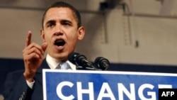شهرام چوبین معتقد است که دولت اوباما، با احتراز از اشتباه دولت بوش، ایران را با حمله نظامی تهدید نخواهد کرد.(عکس: AFP)