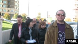 ТұранӘлем банкі алдындағы пикет. Алматы, 23 қазан, 2008 ж.