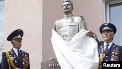 Открытие памятника Сталину в Запорожье, 5 мая 2010 г