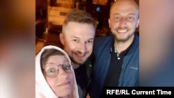 Журналисты телеканала «Настоящее время» Ирина Романовская, Юрий Баранюк, Иван Гребенюк, задержанные 7 августа в Минске (снимок сделан 6 августа).
