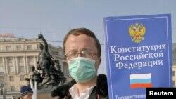 """После разгона митинга 31 марта этого года власти Владивостока словно решили изменить свою тактику на противоположную, отмечают местные активисты """"Стратегии-31"""""""