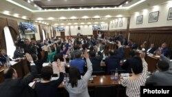 Заседание Совета старейшин Еревана, апрель 2019 г․