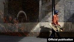 Detaliu de pe coperta albumului Fyah, Theon Cross, 15 februarie 2019.