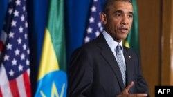 Президент США Барак Обама выступает на совмесной пресс-конференции с премьер-министром Эфиопии Хайле Десаленем в Национальном дворце в Аддис-Абебе, 27 июля 2015 года