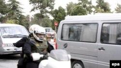 خودروی حامل ملوان ها در راه فرودگاه مهرآباد در تهران