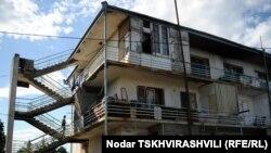 Специалисты осмотрели поселения в трех регионах Грузии – Имеретии, Аджарии и Самегрело - все они были отремонтированы на средства правительства в течение последних двух лет