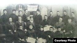 """""""Өлфәт"""" газеты хезмәткәрләре, Петербур, 1906-1907"""