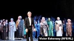 Dirijorul Laurent Wagner și soliștii operei de la Gera la premieră