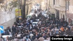 نمایی از تجمع اعتراضی روز شنبه دراویش در تهران