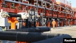 Қашағандағы мұнай өндірісі орыны. 21 тамыз 2013 жыл. (Көрнекі сурет)