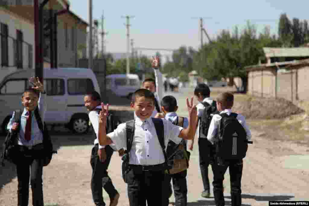 Ученики школы № 53 Бостанлыкского района