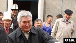 Кулов и дети. Тяжеловес киргизской политики уверен, что президент будет вносить его кандидатуру в парламент столько раз, сколько потребуется чтобы утвердить его премьером