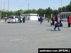 Şäherara hususy ýeňil awtoulag taksileriniň terminaly