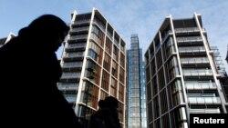 """Londonun lüks One Hyde Park ünvanında hər birinin dəyəri 20 milyon funt sterlinqlik mənzillərin çoxu """"məxfi əcnəbilərə"""" məxsusdur"""