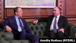 Рускиот министер за надворешни работи Сергеј Лавров и неговиот азербеџански колега Елмар Мамадијаров.
