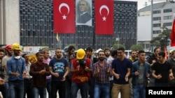 Демонстранти з парку Таксім-Ґезі у Стамбулі, фото 13 червня 2013 року