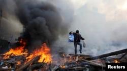 На Майдане Незалежности после столкновений. Киев, 21 февраля 2014 года.
