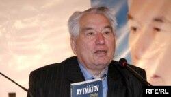 Кыргыз жазуучусу Чынгыз Айтматов