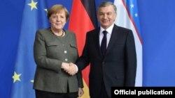 Германия канцлері Ангела Меркель мен Өзбекстан президенті Шавкат Мирзияев. Берлин, 21 қаңтар 2019 жыл.