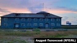 Деревня Мезень. Здание аэропорта. Фото Анастасия Романова