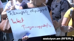 Armenia -- Activists stage protest action near Shengavit court. 13July, 2016