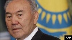 Нұрсұлтан Назарбаев Кремльдегі келіссөздер кезінде. Мәскеу, 19 желтоқсан 2011 желтоқсан