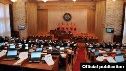Кыргыз парламенти 16-октябрда Энергетика жана өнөр жай министрлигине Кубанычбек Турдубаевдин талапкерлигин бекиткен жок.