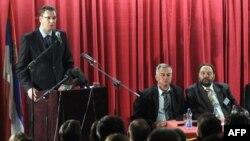 Aleksandar Vučić u poseti Mitrovici, 12. maj 2013.