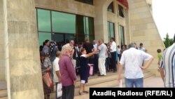 Səlim Müslümov Astarada vətəndaşları qəbul edir
