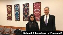 Перед тем, как покинуть страну, Нафосат Оллашукурова встретилась с послом США в Узбекистане Дэниелем Розенблюмом.