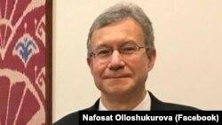 АКШнын Өзбекстандагы элчиси Дэниел Розенблюм.