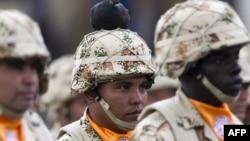 Колумбия армиясының солдаттары. Богота, 3 сәуір 2013 жыл.