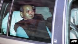 Казахстанского оппозиционного политика и бывшего банкира Мухтара Аблязова везут под усиленной охраной на суд во французском городе Лионе. 17 октября 2014